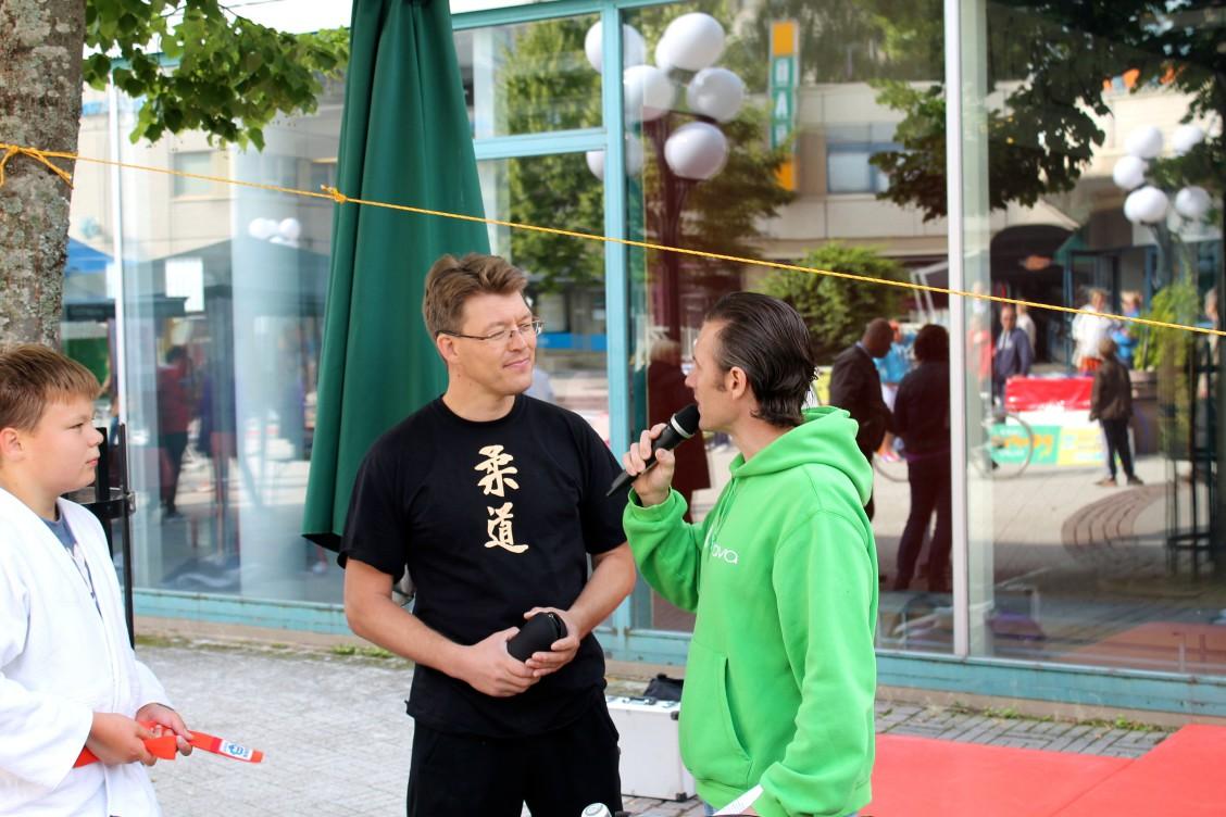 Janne Nyman haastateltavana